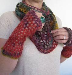 Women gloves and scarf in one / Hand knit wool by SEVILSBAZAAR