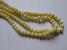 50 x Mottled Effect Glass Beads - Round - 8mm - Yellow