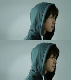 임시완 (Lim Siwan) Im Siwan, Running Away, Korean Singer, Old Women, Korean Actors, Musicals, Kicks, Entertaining, Female