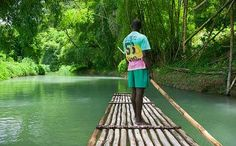 For about two hours you are punted by a boatman along attractive rivers on a bamboo raft