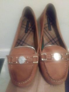 a71ceed0cfc796 Tommy Hilfiger women Tan and gold suede Loafer 9 1 2. Good condition.