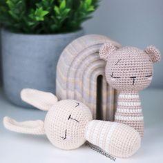 Crochet Baby Toys, Crochet Bunny, Crochet Dolls, Baby Knitting, Crochet Gratis, Crochet Patterns Amigurumi, Crochet Geek, Free Crochet, Handmade Baby Gifts