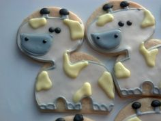 Now here are some animal cookies! Cookie Central (http://www.mycookiecentral.com/) is at it again, this time for a baby shower.