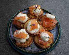 Bouchées apéritive au saumon fumé- Art de Vivre Smoked Salmon Appetizer Saveur, Mini, Tapas, Eggs, Breakfast, Salmon, Food, Recipes, Oven Baked Salmon