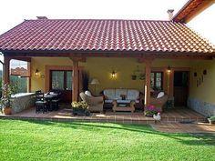 Village House Design, Village Houses, Beautiful House Plans, Beautiful Homes, Small Cottage Homes, Beautiful Villas, Luxury Villa, Traditional House, Pergola