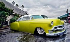 Awesome 53 Chevy.