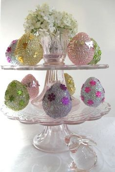 Easter - Party Planning - Party Ideas - Cute Food - Holiday Ideas -Tablescapes - Special Occasions And Events - Party Pinching Easter Egg Basket, Easter Bunny, Easter Eggs, Easter Table, Spring Crafts, Holiday Crafts, Holiday Ideas, Easter Egg Crafts, Diy Ostern
