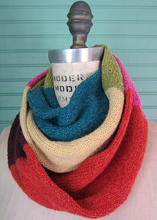 Color Block Infinity Scarf - Aunt Ninny - great for leftover yarn