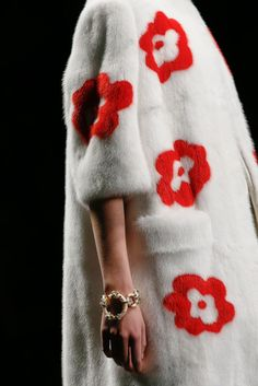 Prada Spring 2013 Ready-to-Wear Fashion Show Details