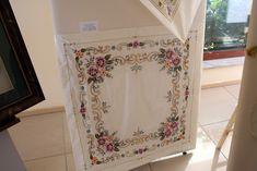 brezilya nakışı Embroidery Stitches, Curtains, Home Decor, Blinds, Decoration Home, Room Decor, Draping, Home Interior Design, Needlepoint Stitches