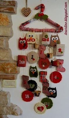 DIY advent calendar made with wooden blocks. Advent calendar uses empty matchboxes. Christmas Crafts For Adults, Felt Christmas Decorations, Christmas Projects, Holiday Crafts, Christmas Ornaments, Holiday Decor, Felt Advent Calendar, Advent Calenders, Kids Calendar