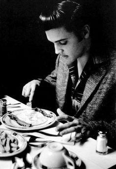 Elvis photographed by Alfred Wertheimer, 1956