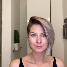 Undercut Hairstyles Women, Shaved Side Hairstyles, Short Hair Undercut, Pretty Hairstyles, Undercut Women, Hairstyle For Women, Chin Length Hairstyles, Short Hair With Undercut, Long Hair Shaved Sides