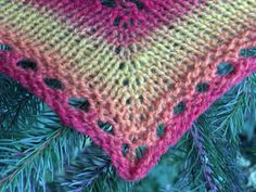 Ulla 03/07 - Ohjeet - Revontuli Knitted Shawls, Scarfs, Northern Lights, Therapy, Blanket, Knitting, Crochet, Amazing, Pictures