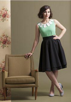 10 Ways to Dress Like a Retro Pin-Up Girl