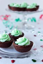 Mint Cream Cheese Brownie Bites | Dulce Dough Recipes - could use white colored mint icing