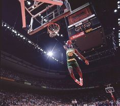 Shawn Kemp wearing Nike Alpha Force