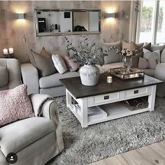 Love this coffee table and rug!
