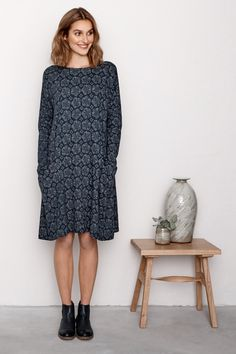 Ladies' cotton swing dress in a choice of unique Seasalt prints. The Mill Pool Dress has a relaxed fit and falls above the knee with long sleeves and boat neck.