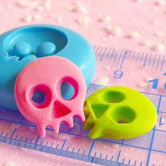 Skeleton Skull Mold 15mm Flexible Mold Silicone Mold Halloween Mold Mini Cupcake Topper Fondant Jewelry Charms Kawaii Cabochon Mold MD671