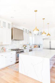 Modern Kitchen Island, Boho Kitchen, Modern Kitchen Design, Home Decor Kitchen, Kitchen Ideas, Kitchen Island Globe Lighting, Kitchen Inspiration, Modern Kitchen Renovation, Stone Kitchen