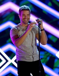 Pablo Alboran performs onstage during rehearsals for the annual Latin GRAMMY Awards at MGM Grand Garden Arena on November 12 2018 in Las Vegas. Eye Candy Men, Mgm Grand Garden Arena, Ideal Man, Stylish Men, Crushes, Handsome, Guys, Celebrities, Sexy
