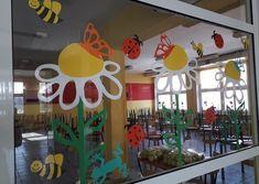 Room decoration – Spring meadow - New Deko Sites Preschool Classroom Setup, Preschool Decor, Classroom Decor, Summer Crafts, Diy And Crafts, Crafts For Kids, Paper Crafts, Class Decoration, School Decorations