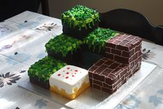 I don't like the actual site, but these cupcakes are amazing! (More Minecraft)