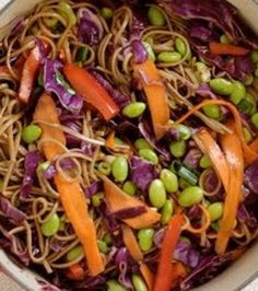 This vegetarian soba noodles recipe is a colorful, healthy, delicious meal! Just cook the noodles and toss in the rest! Quick Vegetarian Meals, Super Healthy Recipes, Vegetarian Cooking, Summer Salad Recipes, Summer Salads, Soba Noodles, Asian Noodles, Noodle Recipes, Food 52
