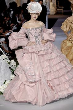 Christian Dior at Couture Fall 2007 - StyleBistro