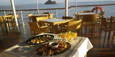 Late afternoon on La Pinta deck