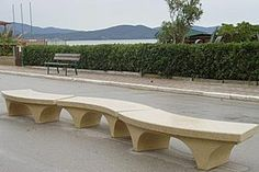 Curved concrete bench #Bellitalia