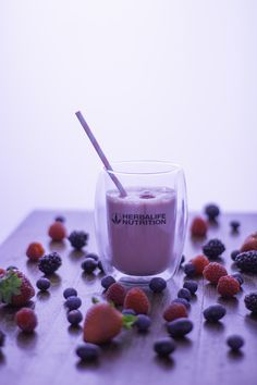Berry shake with Herbalife Nutrition Berry shake with Herbalife Nutrition Nutrition Club, Nutrition Shakes, Herbalife Nutrition, Healthy Nutrition, Weight Loss Meals, Overnight Oats, Low Calorie Puddings, Get Healthy, Food Photography