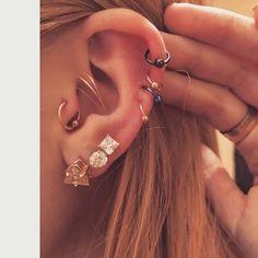 Bella Thorne's ears