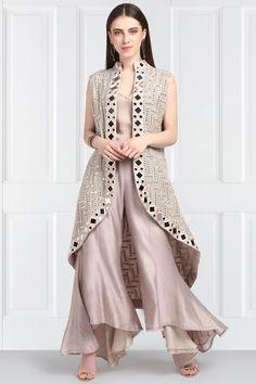 Sleeveless Jacket, Jacket Dress, Stylish Dresses For Girls, Stylish Outfits, Kurta Designs, Blouse Designs, Nine Clothing, Choli Blouse Design, Girl Fashion