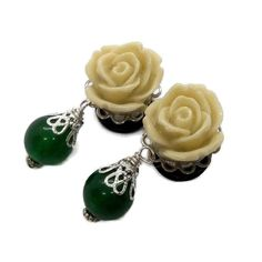 12mm 1/2 Flower Plugs-Wedding Plugs-Pretty Gauges-Prom Plugs-Stretched Ears-Steel Plugs-Bridal-Jade Dangle-Golden Plugs-Fashion Tunnels  These plugs are beautiful. They feature a flower set in a sliver toned setting. Hanging from that is a jade bead. They are held in place with O rings and will look Prom Accessories, Fashion Accessories, Wedding List, Dream Wedding, Wedding Plugs, Stretched Ears, Jade Beads, Body Mods, Christmas Shopping