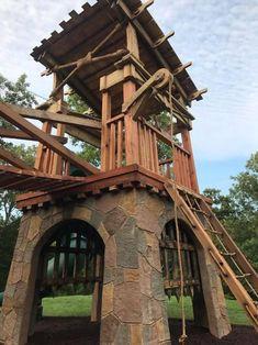 Castle House Plans, Kids Castle, Tree House Plans, Castle Playhouse, Backyard For Kids, Backyard Projects, Backyard Ideas, Wood Projects, Gazebo Ideas