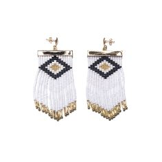 Earrings made with crystal beads (by Embera Chami indigenous community women) and handmade metal piece in goldplated brass 24 Karats. Crystal Beads, Crystals, Black Earrings, Fashion Earrings, Cufflinks, Weaving, Beadwork, Metal, Handmade