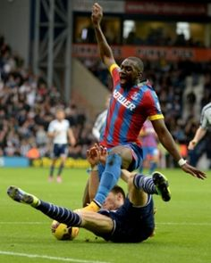 West Brom's Graham Dorrans...Yannick Bolasie of Crystal Palace doesn't look best pleased.