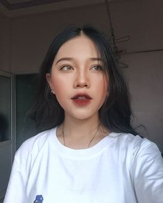 Korean makeup tips - When you begin to style your own hair, work in groups, star. - List of the most beautiful makeup Korean Makeup Look, Korean Makeup Tips, Korean Makeup Tutorials, Asian Makeup, Korean Makeup Ulzzang, Korea Makeup, Eye Makeup Glitter, Makeup Eyeshadow, Hair Makeup
