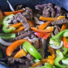 One Skillet Steak Fajitas - this recipe if easy to prepare and packed with flavor! #WeekdaySupper