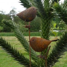 Rusty Robin Plant Stake