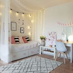⭐️ 32 + Beauty room decoration ideas with fairy lights # bedroom ideas # sc… ⭐️ 32 + Beauty room decoration ideas with fairy lights # bedroom . Cute Teen Bedrooms, Cute Bedroom Ideas, Bedroom Girls, Daybed Bedroom Ideas, Girls Daybed Room, Bedroom Decor Ideas For Teen Girls, Teen Room Decor, Room Decor Bedroom, Bedroom Colors