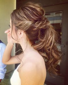 WEDDINGHAIR ウェディングヘア フォトツアー #ダウンタウン#星 ⭐︎ * #hawaii #hairmake #hawaiiwedding #simple ##bilino #beach#photo#ハワイ#ハワイウェディング #ハワイ挙式 #ヘアメイク#ポニー #プレ花嫁 #卒花#ゆるふわ #ヘアアレンジ#ナチュラル #星 #フォトツアー #weddinghair #bridalhair #bride #hairstyles