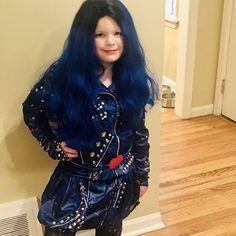 Vivi Rocking Evie from descendants Happy Halloween Everyone! Descendants 2, Evie, Happy Halloween