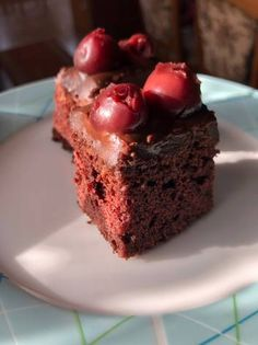 Meggyes, étcsokoládés brownie Sugar Free Diet, Alice, Gluten Free, Food, Yogurt, Meal, Glutenfree, Essen, Hoods