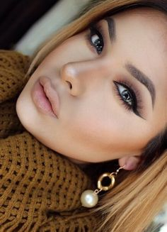 make up perfection: wing eyeliner subtle smokey eyes contouring nude lips Flawless Makeup, Gorgeous Makeup, Pretty Makeup, Love Makeup, Skin Makeup, Makeup Inspo, Makeup Goals, Makeup Tips, Maquillaje Kylie Jenner