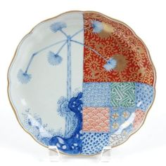 VINTAGE-JAPANESE-IMARI-SCALLOPED-EDGE-PLATE-W-TRADITIONAL-JAPANESE-PATTERNS