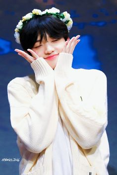 "♡ sparkling 🦋 do not crop logo or edit "" Twitter Video, Boy Idols, Ulzzang Boy, Free Prints, My Crush, Kpop Boy, No One Loves Me, Korean Boy Bands, Boy Groups"