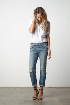simple look with boyfriend jeans, white shirt and high heels